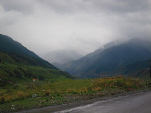A drizzly road into the Tian Shan