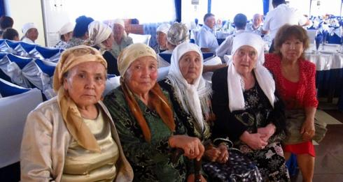 Babushkas and Tyotyas