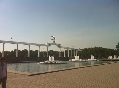 Modern monuments in central Tashkent