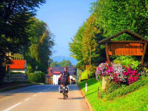 Lloyd and the bright colours of Austrian villages