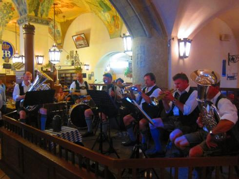 The Hofbrauhaus players
