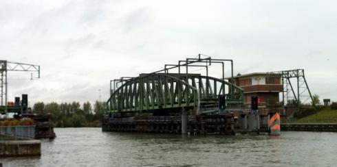 Swing bridge nearing Antwerp
